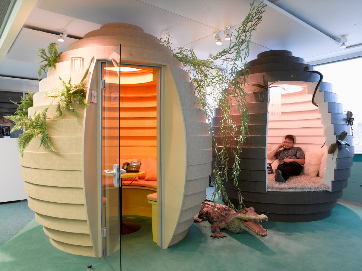 googles-zurich-switzerland-office--which-was-designed-by-architecture-firm-camenzind-evolution--has-egg-shaped-pods-that-serve-as-meeting-rooms