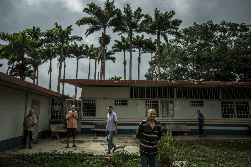 دو بیمار میتلا به اسکیزوفرنی، دو قتل خانوادگی. © Meridith Kohut for The New York Times