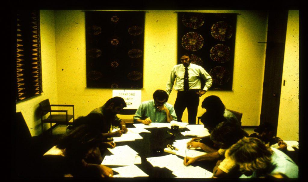 داوطلبان شرکت در مطالعه در حال پاسخ دادن به آزمون ورودی. منبع: PrisonExp