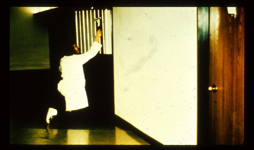 تصویری از فرآیند آمادهسازی زندان استنفورد. منبع: PrisonExp