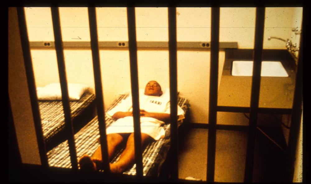 زندانی ممتاز در سلول ممتاز. منبع: PrisonExp