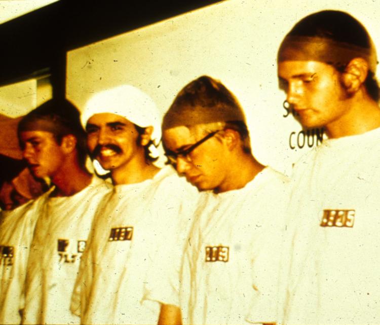۸۱۹ زندانی بدی است! منبع: PrisonExp