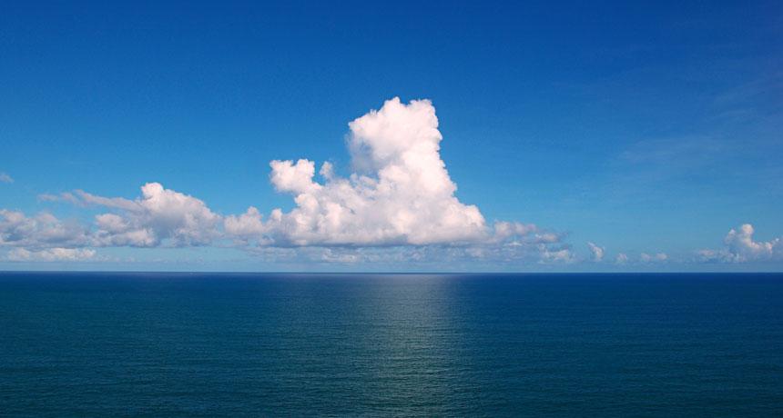 قارهها در حدود چند صد میلیون سال قبل روی سطح آبی زمین ظاهر شدند؛ پیش از آن سطح زمین (تقریباً) تماماً از آب پوشیده شده بود. منبع: Science News