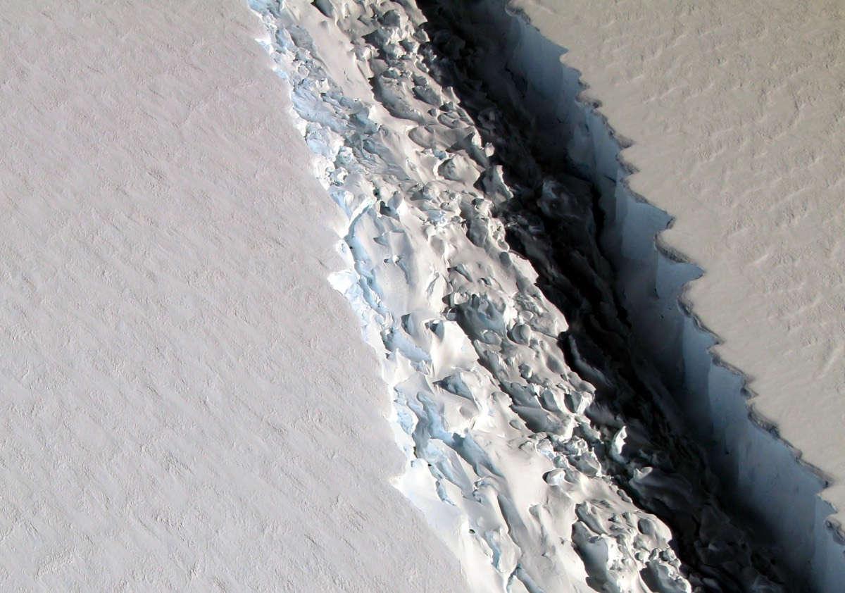 antarctica-rift-larsen-c