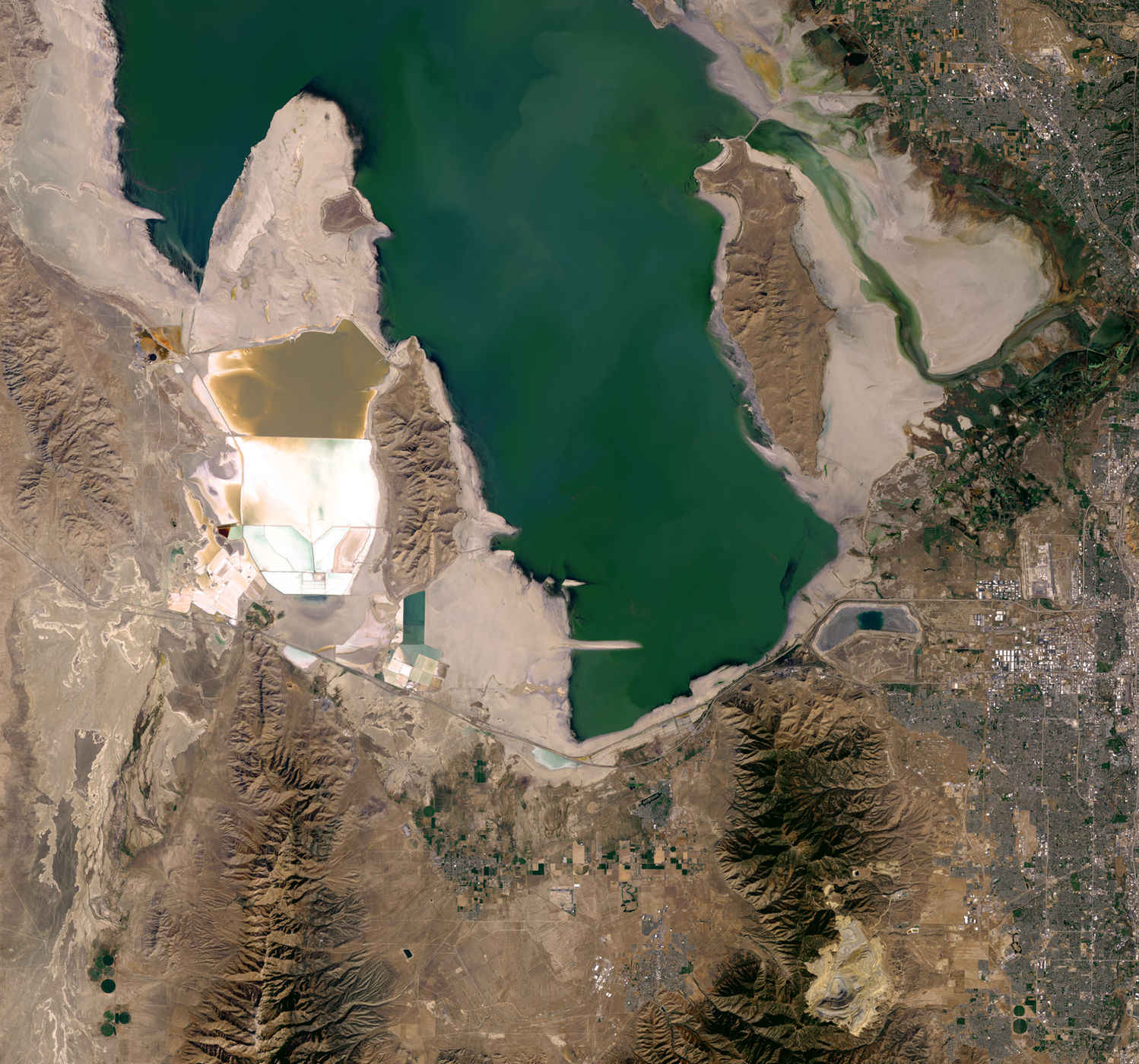 salt-lake-shrinking-nasa-virtualdr-ir