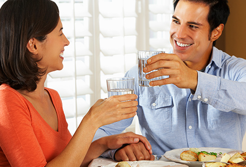 thinkstock_rf_photo_of_couple_enjoying_glasses_of_water