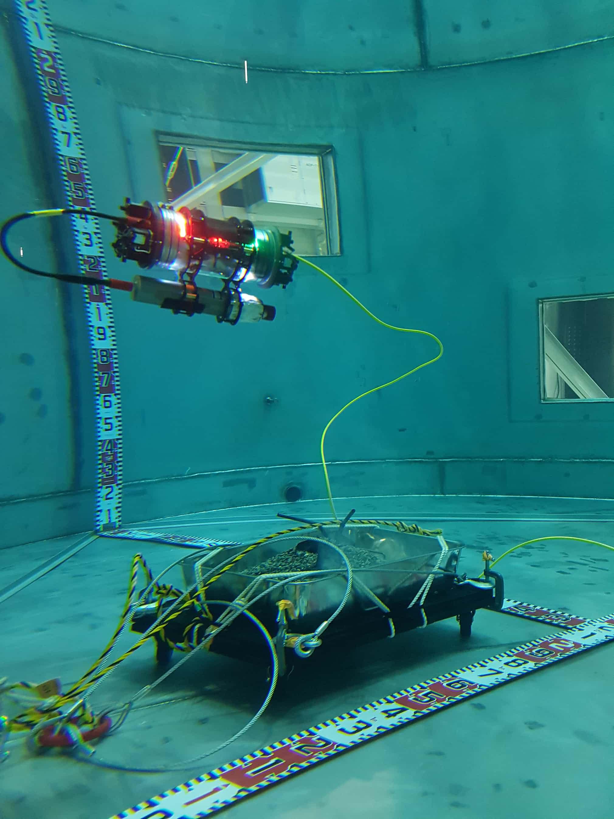 در جستجوی ضایعات شبیهسازی شدهی سوخت فوکوشیما با استفاده از AVEXIS ROV. دکتر سیمون واتسون از دانشگاه منچستر