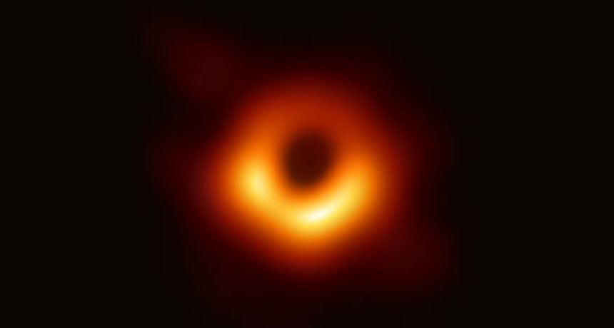 اولین تصویر از یک سیاهچاله
