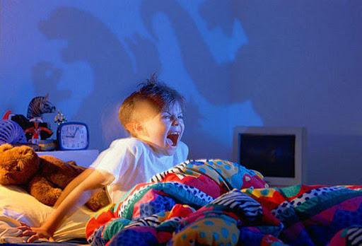 فرق کابوس و وحشت شبانه در کودکان