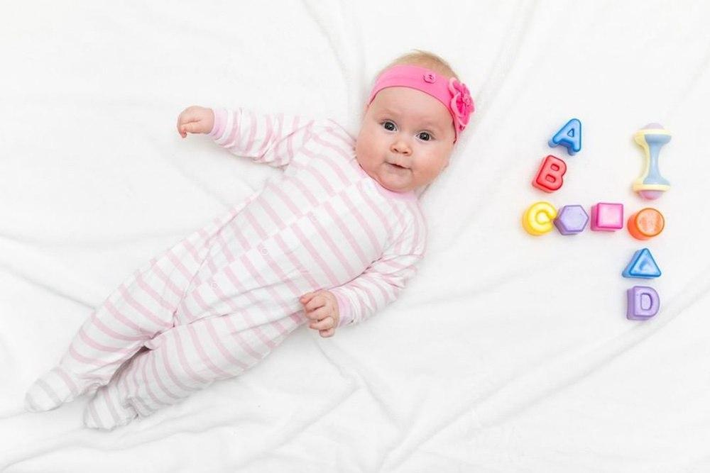 رشد کودک 4 ماهه