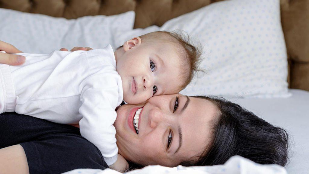 مادر و فرزندی