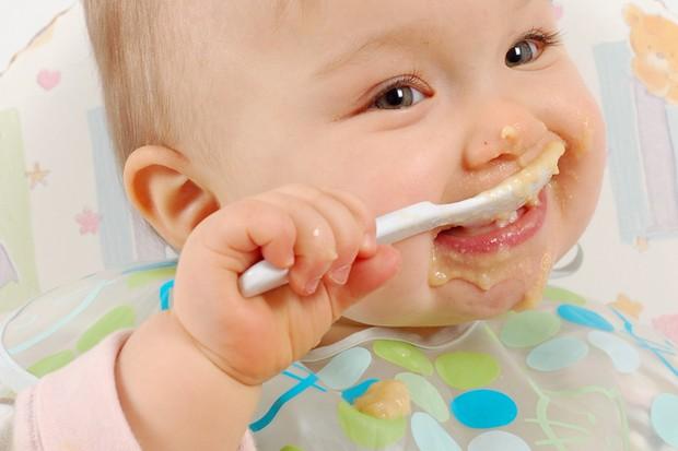 غذاخوردن کودک نه ماهه